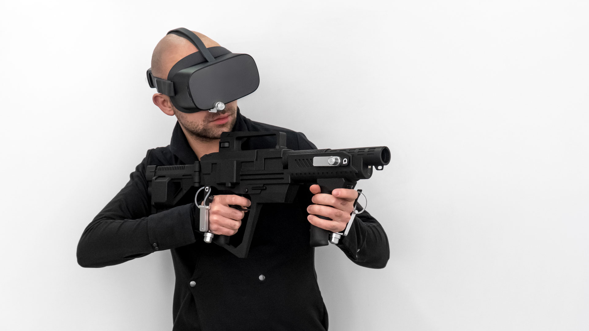 person who are in VR using antilatency tracking system modules: bracer, tag and alt